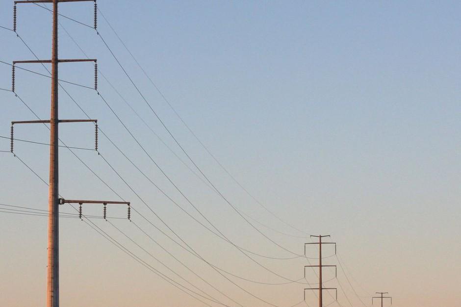 Awaria energetyczna w Białymstoku: Mieszkańcy, urząd i szpitale bez prądu