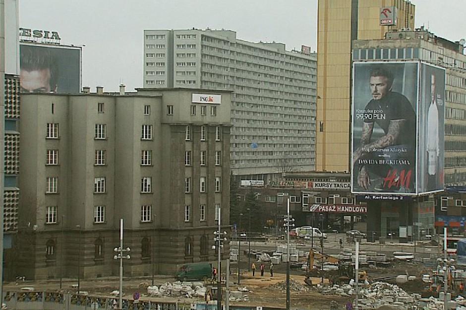 Oczyścili Warszawę ze szpecących reklam. Jaki efekt?