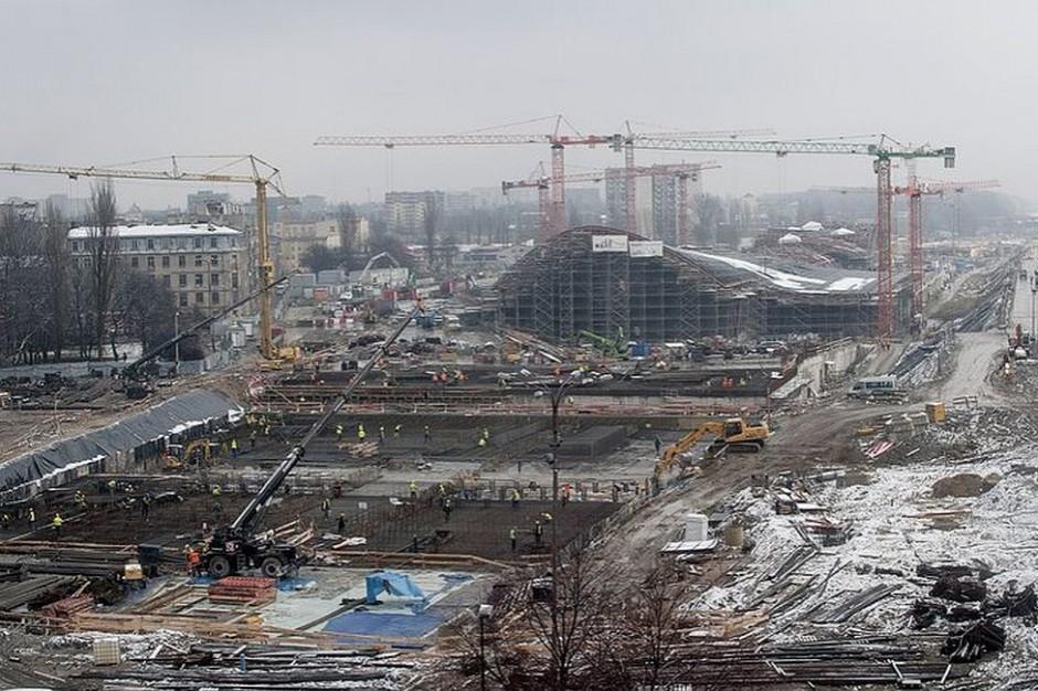 Rozpoczyna się montaż torów na nowym dworcu PKP Łódź Fabryczna