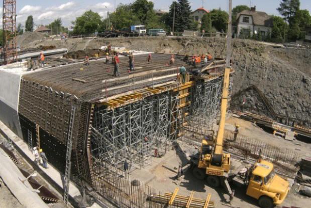 Coraz więcej samorządów przekonuje się do dróg betonowych
