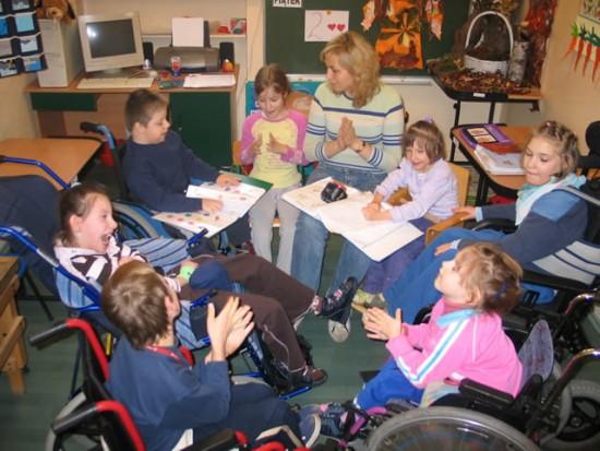 IBE: Koszty dostosowania szkoły do potrzeb uczniów z orzeczoną niepełnosprawnością są bardzo wysokie