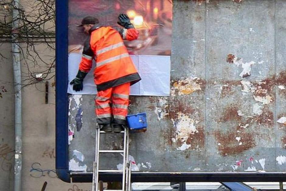 Ustawa krajobrazowa: czy nowe przepisy pomogą miastom walczyć z reklamami?