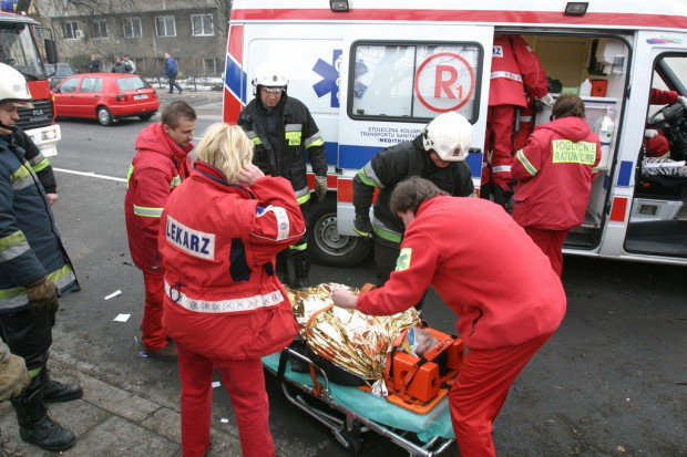 PSL: Ratownicy medyczni powinni mieć status służb mundurowych