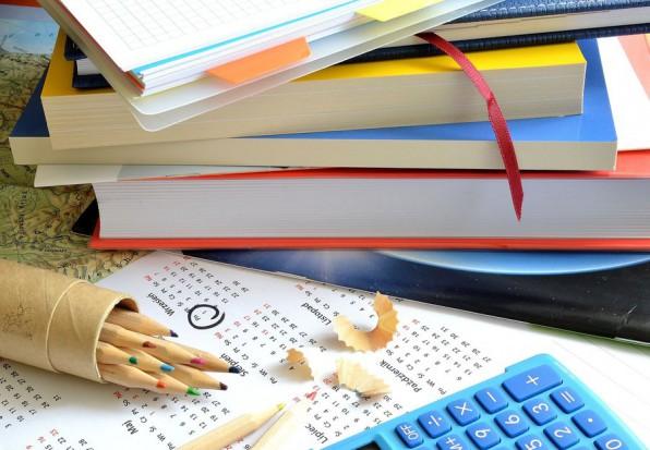MEN: dofinansowanie zakupu podręczników z dodatkowymi formularzami