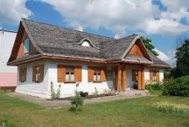 Podkarpackie: świecka architektura drewniana będzie chroniona i promowana