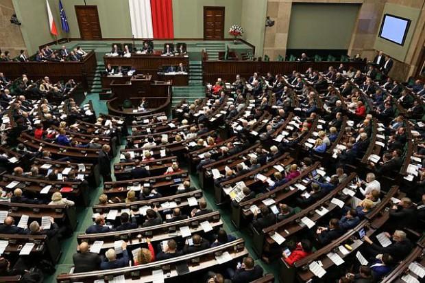 W Sejmie powstanie złożona z posłów komisja do spraw petycji