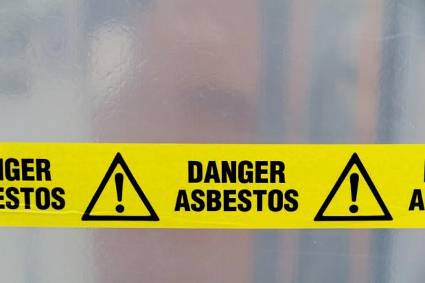 W gminach nadal zalegają tony azbestu. Gdzie jest najgorzej?