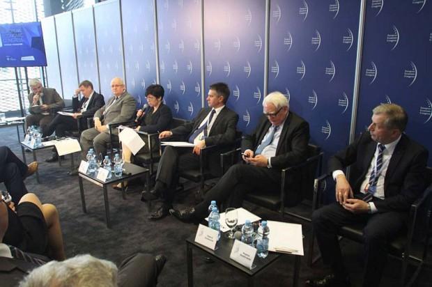 EEC 2015: Trudno budować efektywną gospodarkę bez sprawnej administracji