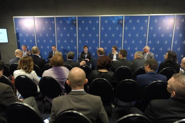 EEC 2015: Za komunikację miejską płacą miasta. Powiaty i województwa od tego uciekają