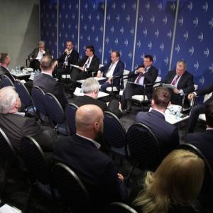 """Drugiego dnia EECodbyła się dyskusja """"Finansowanie inwestycji na rzecz środowiska naturalnego"""". Fot. PTWP."""