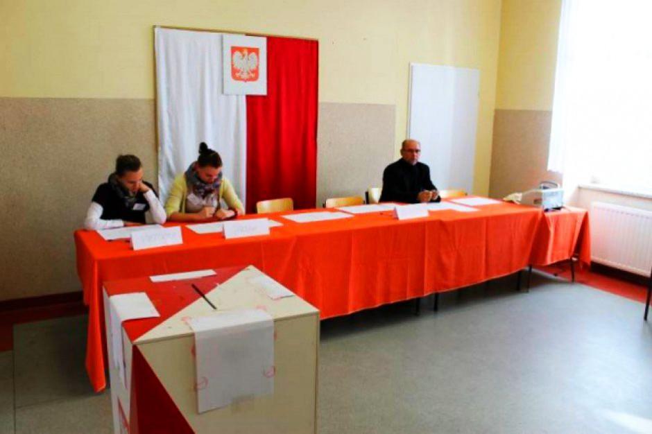 Wybory prezydenckie 2015: Brak adresu zameldowania w nowych dowodach osobistych nie będzie problemem