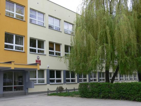 Szpitale, urzędy, przedszkola i szkoły ocieplane z nadwyżek jednostek emisji CO2