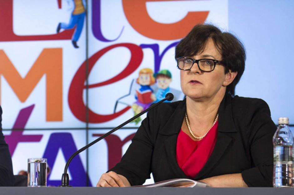 Kluzik-Rostkowska: w kieszeniach rodziców zostanie 800 mln zł rocznie