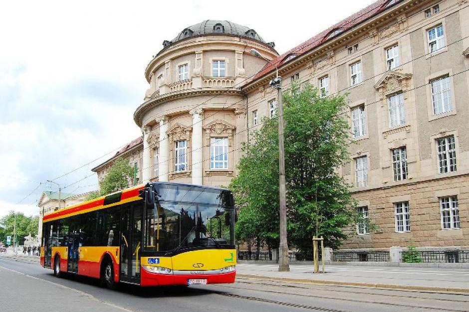 Gapowicze zalegają przewoźnikom 245 mln zł. Dlaczego jeżdżą bez biletu?