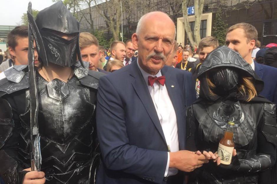 """Wybory prezydenckie 2015, Korwin-Mikke: """"To trzaśnie za trzy miesiące czy trzy lata. Musi zbankrutować"""""""