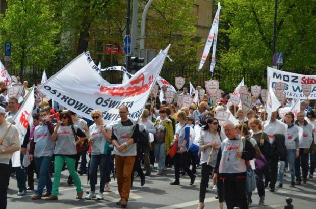 Nauczyciele zapowiadają strajk na początku roku szkolnego