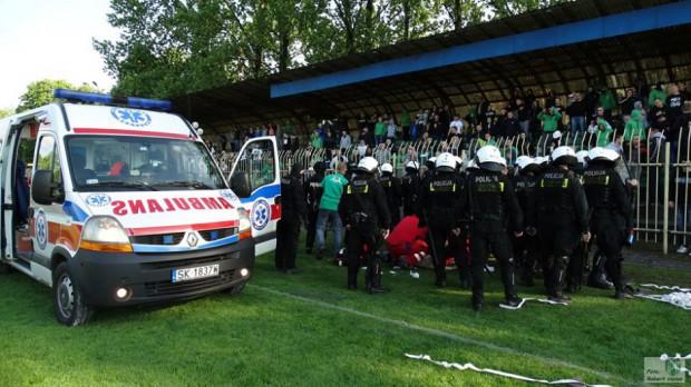 Zamieszki w Knurowie: Policja tłumaczy się Helsińskiej Fundacji
