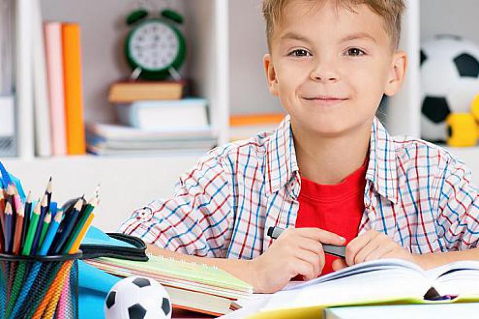 Wyprawka szkolna 2015: 51 mln na zakup podręczników