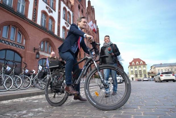Biedroń zwołuje sztab kryzysowy. Miasto musi wypłacić 21 mln zł