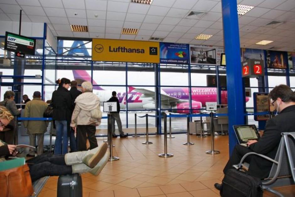 Wrocławskie lotnisko. Z miesiąca na miesiąc coraz więcej pasażerów