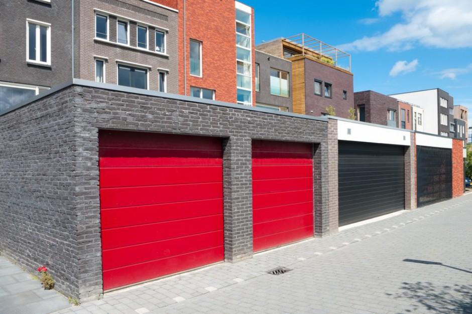 Głos właściciela garażu równy głosowi właściciela mieszkania