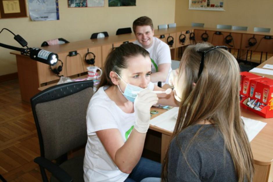 Bezpłatne badania stomatologiczne 450 dzieci w podlaskim