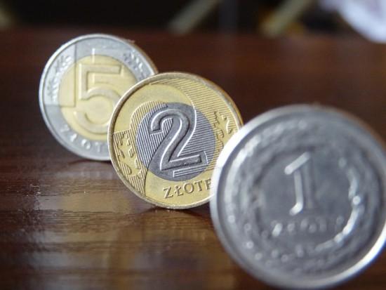 PO i PiS złożyły obietnice za 50 mld