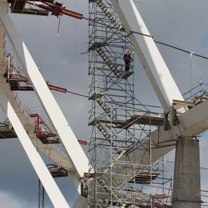 W ostatniej fazie prac zostanie zamontowany system monitoringu obciążenia konstrukcji (fot.PTWP)