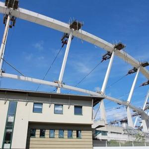 Na Stadionie Śląskim rozpoczęło się podnoszenie ważącej ok. 830 ton konstrukcji dachu na koronę obiektu (fot.PTWP)