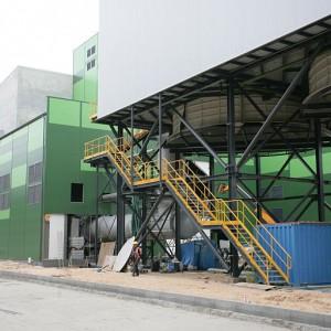 Następuje montaż systemu stabilizacji pyłów i popiołów, urządzeń procesu waloryzacji żużli. (fot.mat.pras.)