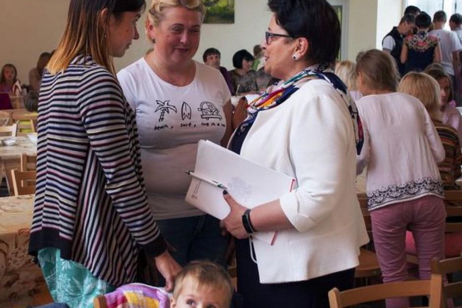 Samorządy okazały gościnność rodzinom z Donbasu