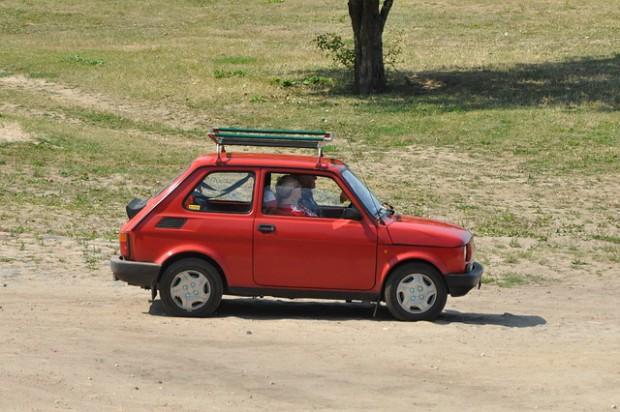 PO zmienia zdanie. Stare auta zostaną w centrach miast