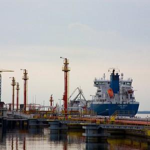 WPorcie Gdańsk przeładowano łącznie ponad 5,5 miliona ton ropy naftowej i produktów. (fot.portgdansk.pl)