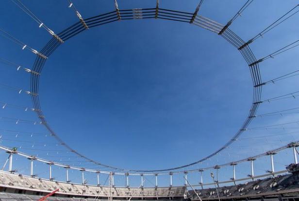 Linowa konstrukcja dachu Stadionu Śląskiego gotowa