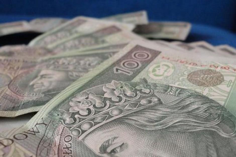Program PiS: 500 zł na dziecko będą wypłacać gminy?