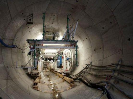 Warszawskei metro: Kontrowersyjne warunki przetargu