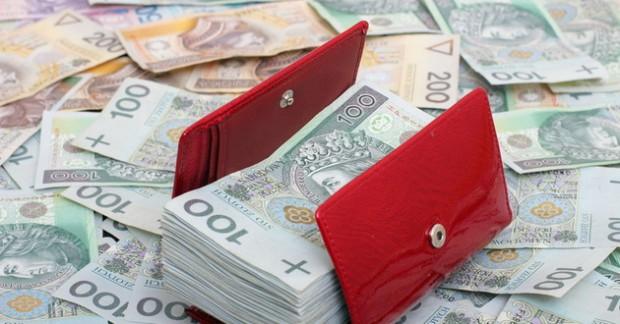 Przybywa gmin zadłużonych w parabankach