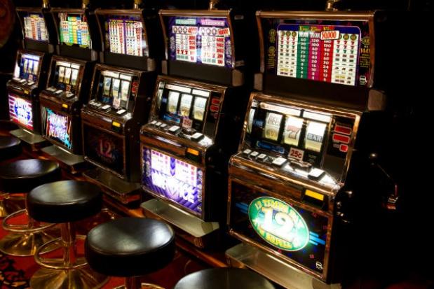 Warszawa walczy z nielegalnymi automatami do gier