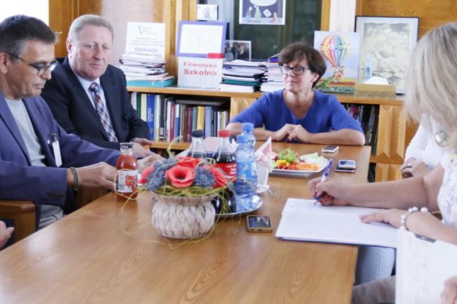 Kluzik-Rostkowska: podwyżki dla nauczycieli już były, czas na innych