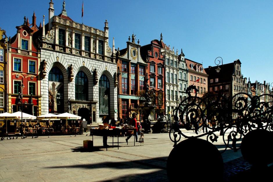 Gdańsk: artystyczne elewacje kamienic na Głównym Mieście