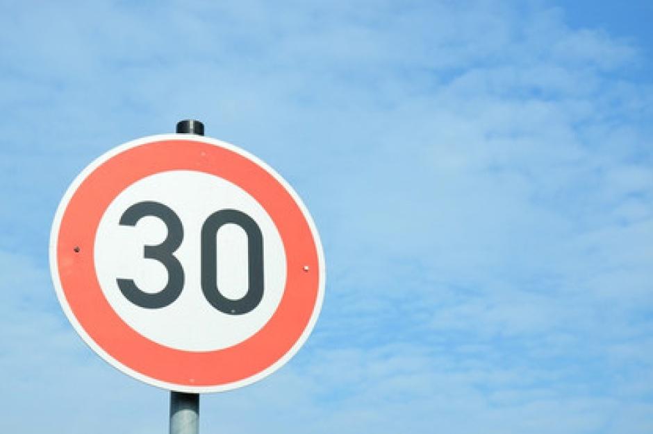 W centrum Katowic pojedziesz maksymalnie 30 km/h