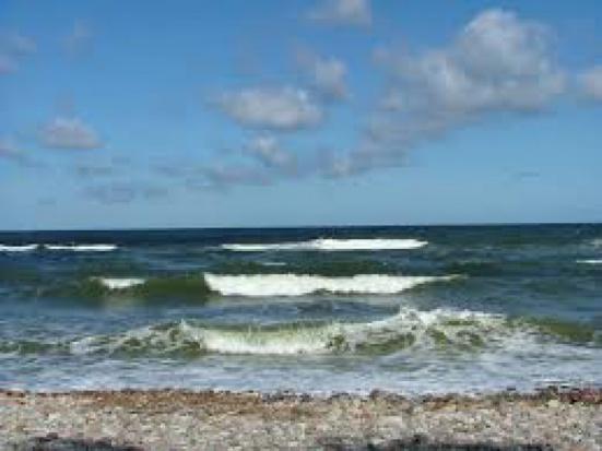 Plaże: Ustronie Morskie, Sianożęty i Jarosławiec zamknięte z powodu zanieczyszczenia wody