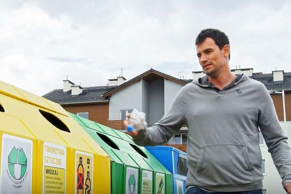 Gospodarka odpadami: Marcin Lijewski z piłkarzami promuje selektywną zbiórkę w spocie