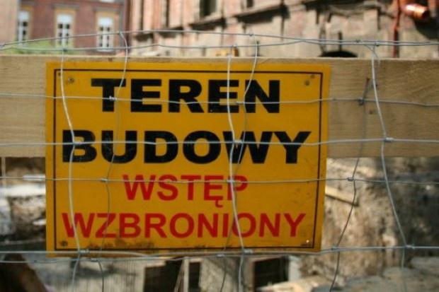 Oleśnica: czy trzeba burzyć stary szpital?