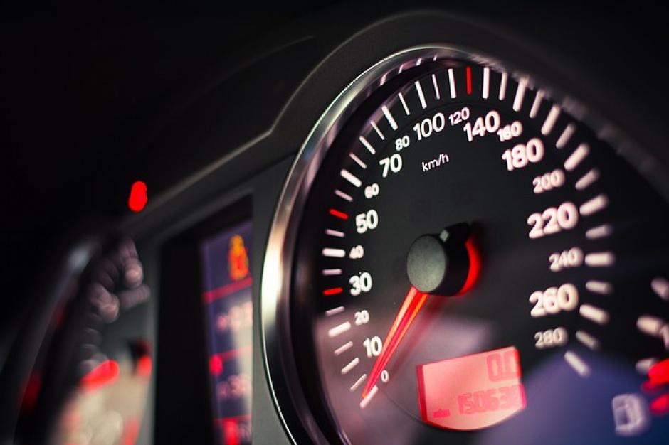 Zmiana przepisów drogowych: Antyradar uchroni przed utratą prawa jazdy?