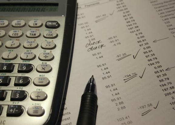 Dochody i wydatki budżetów JST w I połowie 2015 roku: nadwyżka 10 506 mln zł
