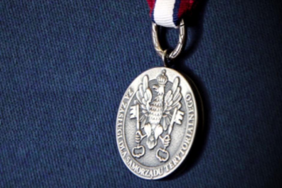 Odznaki Honorowe za Zasługi dla Samorządu Terytorialnego wręczone po raz pierwszy