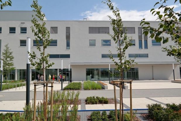 Wrocław - nowy szpital wojewódzki  przyjmuje pacjentów