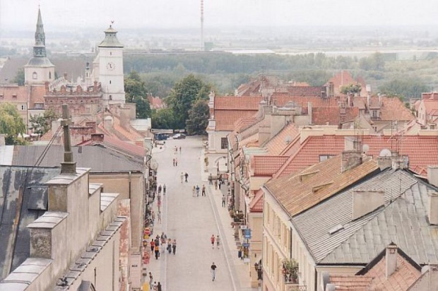 Turystyka, świętokrzyskie:  w regionie przybywa turystów