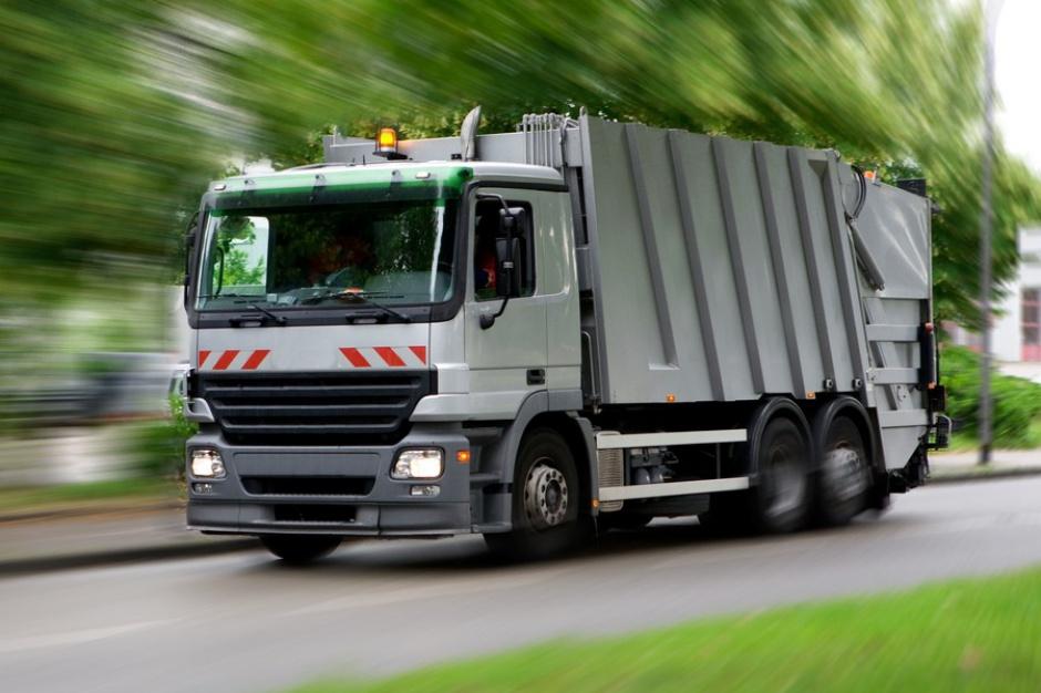 Opłaty za śmieci: Samorządy obawiają się zmowy firm